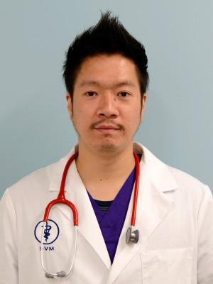 院長・獣医師 山本竜太